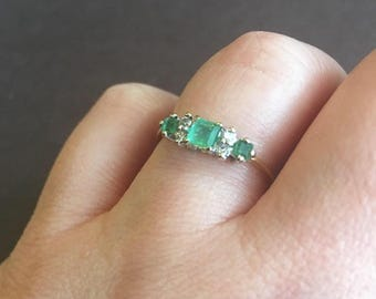 Vintage Emerald and Diamond 18K Gold Ring | British Emerald Ring | Emerald and Diamond Ring | 7-Stone Ring | Vintage Emerald Ring | 80s Ring