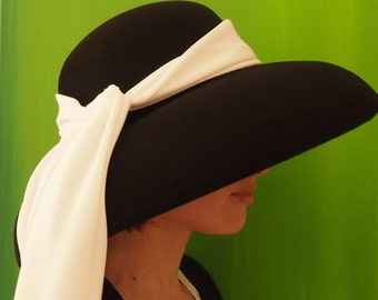 Fedora Audrey, Audrey straw hat