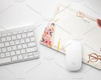 Styled Stock Photo | Simple Desktop | Blog stock photo, stock image, stock photography, blog photography