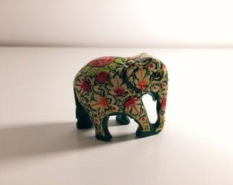 Handbemalter Elefant aus Kaschmir - Grün