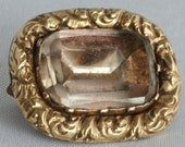 Antique gold brooch with ...