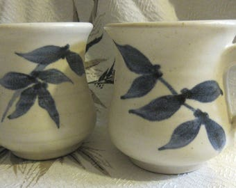 2 studio pottery mugs, 80's vintage, leaf design, blue on white, excellent condition, professional, classic, rustic, organic