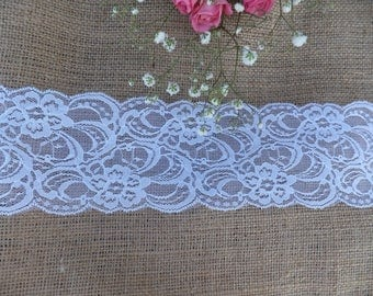 40cm x 3.05m Burlap Table and White Lace Table Runner