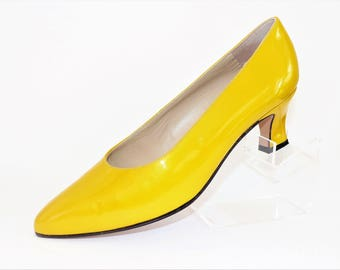 Bally Bright Yellow/Canary Yellow/ Court Shoes/ Pumps/ Slip-on Shoes/Pointed toe shoes/Size UK 6 Shoes/1980's Shoes