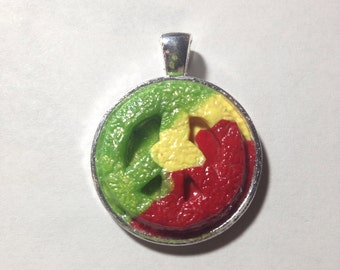 25 mm Rasta Peace Sign Pendant