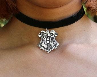 Harry Potter choker, Harry Potter gift, harry potter jewelry, hogwarts necklace, hogwarts crest, Choker necklace, Harry potter necklace