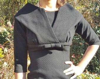 SALE! 1950s Wiggle Dress Size XS