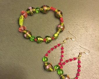 Lampwork stretch bracelet with matching earrings
