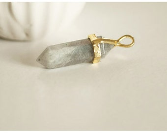 Pendentif Pointe support doré pointe quartz vert marbré naturel