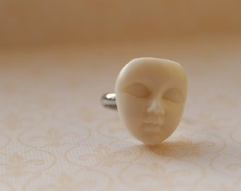 Doll Face Ring    Creepy cute white doll face mask adjustable ring