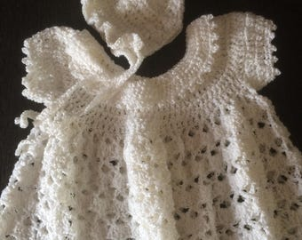 Crochet baby dress and bonnet