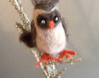 Standling needle felted owl