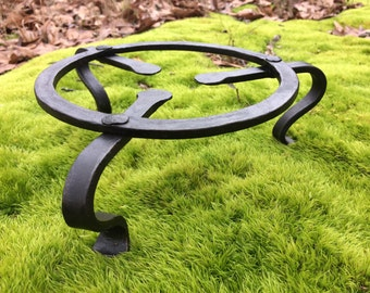 """Rustic Trivet Bow Legged Hand Forged Traditional ( Blacksmith made, Potted Plant, Spring, Flower, Kitchen,Porch ) 7"""" diameter"""