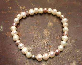 Two-toned Pearl Bracelet