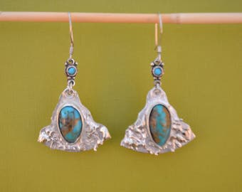 Triangular Earrings withTurquoise Cabochons