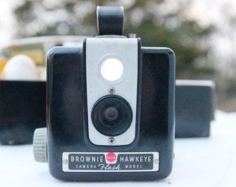 SALE! 25% discount. Camera Kodak Brownie Hawkeye in Vintage Original Christmas Box