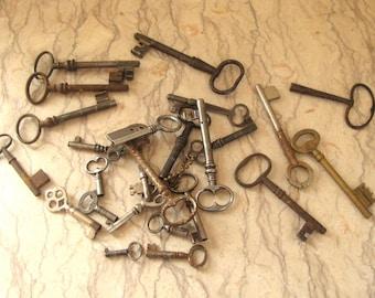 lot of antique keys