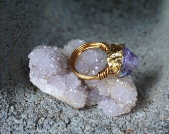 Size: 5 1/2 \\ Gold Foil Wire Wrapped Ring With Natural Raw Amethyst Stone