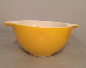Yellow Cinderella Pyrex 1 1/2 PT Bowl