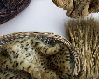 18x20 Cheetah Print Faux Fur Photo Prop, Newborn Photo Prop, Thick Pile, Baby Photo Prop. Layering Blanket in Leopard Print