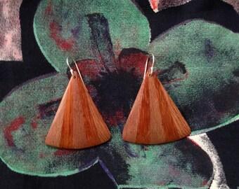 Vintage wood earrings c1980s, tan striped timber