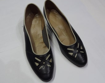 Vintage shoes,Leather shoes,80s, Black Low Heels , Vintage Pumps ,Black Leather Heels, Women's Shoes, Size 41 EU