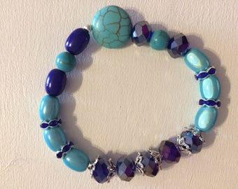 Turquoise Crackle round Bead Bracelet.