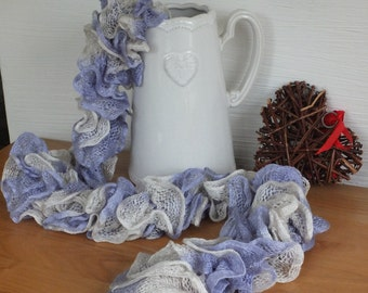 A frilly, lacey scarf.