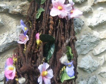 """Countryside """"skein spun with spinning wheel with flower fabric, wool and linen"""