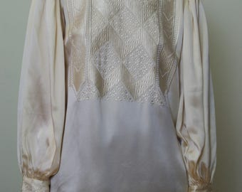 CHAMPAGNE SILK poet sleeve vintage embroidered blouse Size M-L