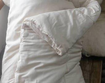 Wool Comforter, Queen