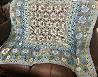 Snowflakes & Flowers 'From Winter, Comes Spring' crochet blanket 100% wool Queen bed HANDMADE