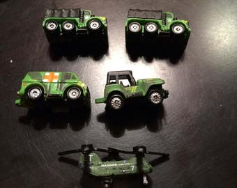 Micro Machines Galoob 1987 Military Helicopter has #7 Marines on the side