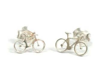 bicycle silver earrings for cycling lovers. The best detailed bicycle silver earrings. Cycling jewelry for cyclists and urban cycling.