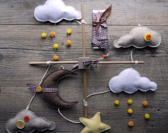 "Mobile baby felt ""the clouds and sunny rain"", white, yellow and taupe"