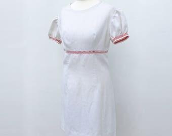 Vintage 1960s White Empire Waist Puffed Sleeves MOD Mini Dress