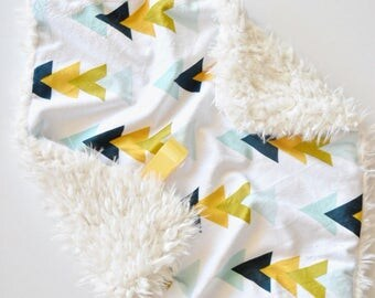 READY TO SHIP, Blue Green Yellow Triangle Lovey, Baby Boy Lovey, Baby Girl Lovey, Neutral Baby Blanket, Minky Baby Blanket, Baby Blanket, Ba