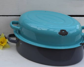 Very attractive large Vintage Turquoise/Grey Enamel Roasting Pan/ Casserole Dish/Ovenware/Cookware