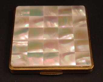 Genuine and rare KIGU powder compact mother of Pearl / powder compact/mother of Pearl for years 1960/manufacturing English/new/with original packaging