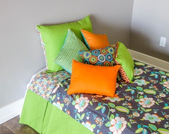 Multiple Look Twin/Twin XL Duvet with Pillow Covers - Pillows and Duvet flip for different looks.   Gray/Green/Orange