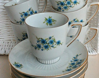 6 vintage cups and saucers