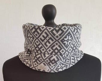Circle scarf, infinity scarf, winter scarf, gray and white  scarf, merino wool scarf, winter scarves, scandinavian scarf