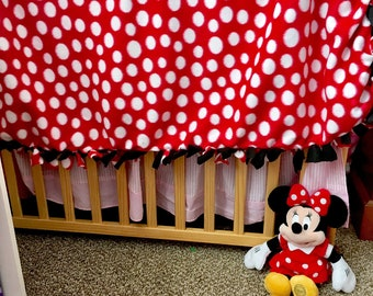 Minnie Mouse Tie Knot Blanket