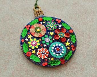 Round Ornament 19