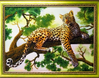 Beaded picture Leopard in the Tree decor gift beadwork hand-embroidered embroidery bead art interior design decoration