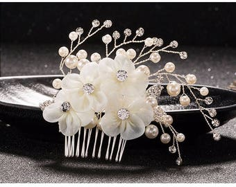 Crystal and pearl ivory flower bridal hair comb
