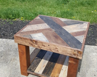 Reclaim Pallet End Table/ Night Stand
