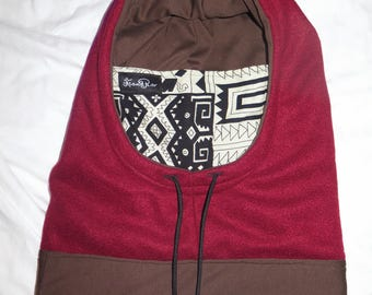 Maroon, big, snowboarding fleece, lined hood.