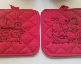 """Set of 2 Red Embroidered Pot holders """"Antique Kitchen"""""""