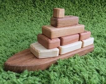 Деревянный кораблик-конструктор. Wooden boat designer